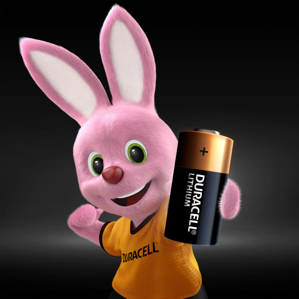 Bunny presenta las baterías Duracell High Power Lithium CR2